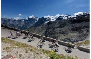 migliaia-di-ciclisti-alla-conquista-dello-stelvio-jpg